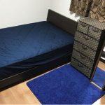 6畳の寝室にダブルベッドを置いたレイアウト
