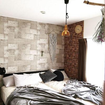 黒いベッドで作るおしゃれな寝室