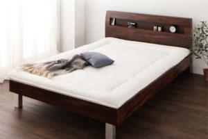 ベッドに布団を敷く