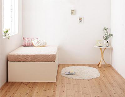 収納ベッドですっきりと片付いた一人暮らしの部屋