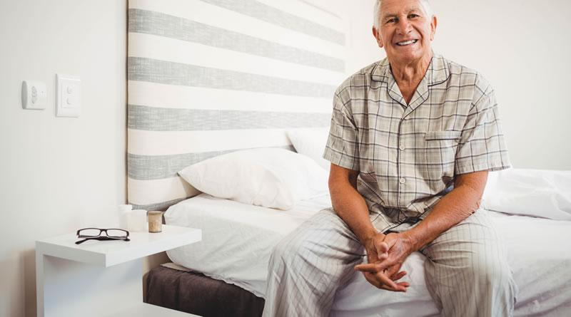 高齢者のベッド
