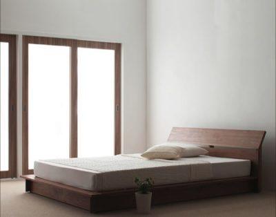 低いベッドの開放感