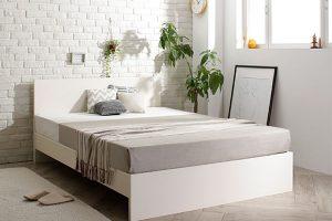 おしゃれな白いベッド