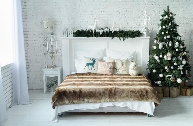 ゴージャスなクリスマスの寝室